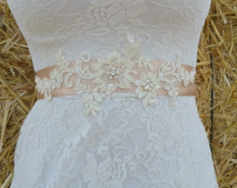 TORI Style- Lace Wedding belt, Bridal lace belt, Wedding lace sash, Lace bridal belt, Ivory lace belt, Ivort sash