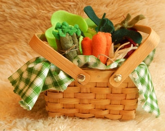 Garden Vegetable Basket - Imagination Toy, Pretend Play, Felt Food, Toy Food, Play Food