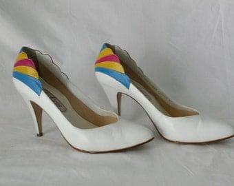 Vintage 1980's Fanfare Feather White High Heel Pumps size 8