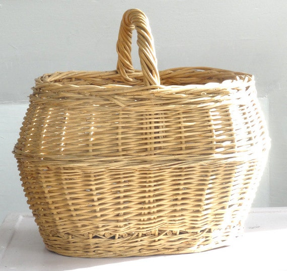 Handmade Market Baskets : French handmade antique basket woven by