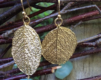 Gold plated pendant leaf with a chalcedony bead