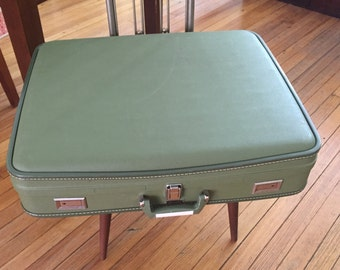 Vintage luggage Wheary Avocado Green Luggage Suitcase