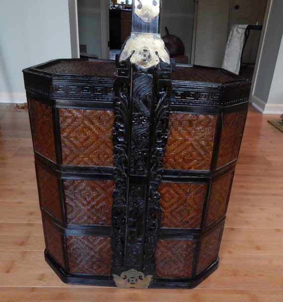Antique Bed: Chinese 3-Tiered Stacking Wedding Baskets Antique