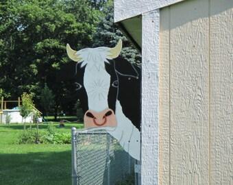Cow Bull Head Barn Yard Peeker