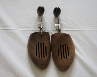 Vintage 1950's - Wooden Shoe Forms Size 9B