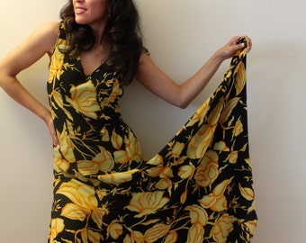 Vintage 1960s  Yellow Flower Dress