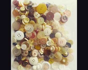 110g Brown Spectrum Assorted Buttons