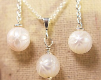 Galatea White Pearl Necklace and Earrings Set