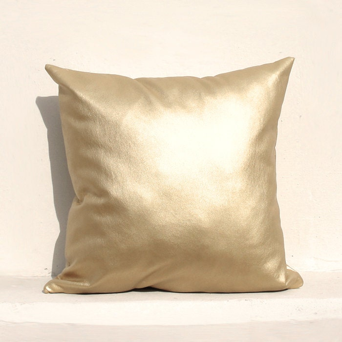 Housse de coussin or clair or housse de coussin taie for Housse coussin cuir