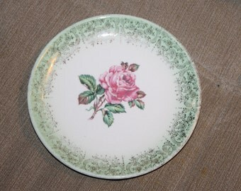 Vintage Porcelain Plate, Desert Plate, Bread Plate, etc, One Rose, The Middle And Green w Gold Edging That is 1 Inch of The Plate, No Stamp