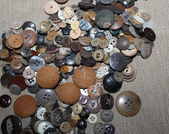 Vintage Buttons, Half a Pound in This Lot, Mixture of Brown Shades, All Sizes, Crafting Projects, Clothing, Sewing Projects, Collectibles,