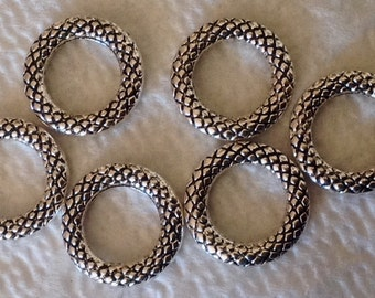 Fancy waffle Ring connector set of 6 silvertone
