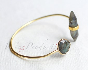 Heart shaped & Crystal point stone bracelet
