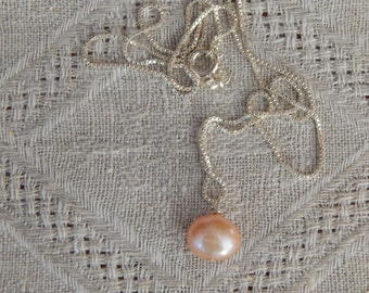 Peach Pearl & Sterling Pendant Necklace, Pearl Pendant, Simple Pearl Necklace, Peach Pearl Pendant, Peach Pearl Solitare, June Birthstone