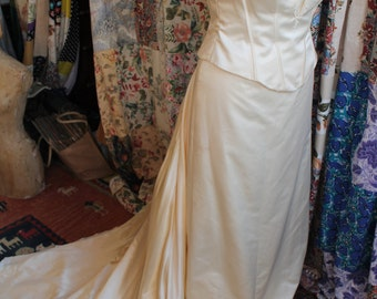 Wedding dress in 3 parts REF 239
