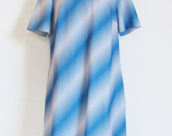 60s blue & white A-line dress - Optical Art print