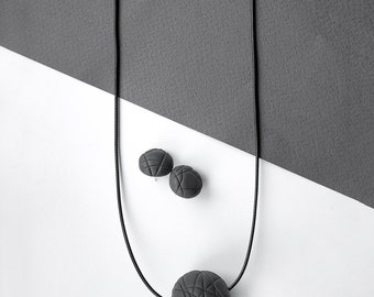 Minimalistic sphere necklace CUTS