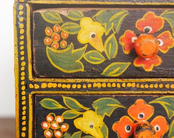 HAND PAINTED CHEST // Vintage Hand-Painted Floral Wooden Miniature Chest, Jewelry Box