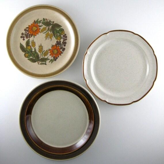 Decorative Wall Plates Kitchen : Decorative plates vintage mismatched kitchen