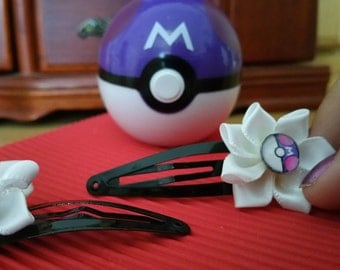 One Masterball style hair clip to accessorise those in search of Legendary Pokémons