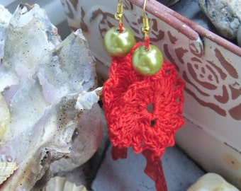 Red crochet earring / red crochet earrings