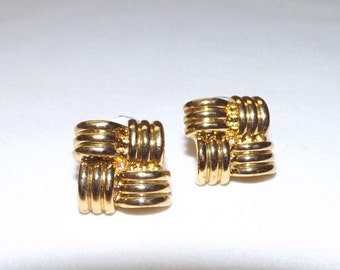 Vintage Avon Earrings Gold Stud Earrings Gold Square Knot