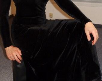 Nicki black long sleeve velvet dress black velvet maxi dress longsleeve plush velour
