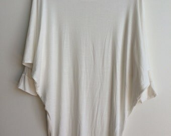 Three-Quarter-Sleeve Top (One Size Fits All)