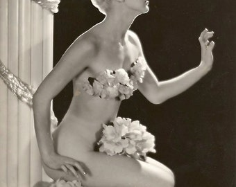 1930's-1940's Era Dancer-Actress Sally Wickman-Black and White-Multiple Sizes-[730-101] Classic Style Bombshell Hollyoood Glamour
