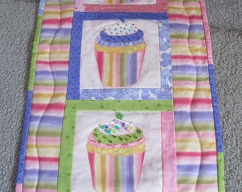 Cupcake Quilted Wall Hanging