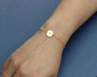 Personalized Circle Bracelet, Initial Disc Bracelet, Bridesmaids Gift, Silver Letter Bracelet, Rose Gold Delicate Mothers Bracelet