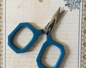 BLUE GEM small embroidery scissors for knitting, cross stitching, needlepoint, crafts