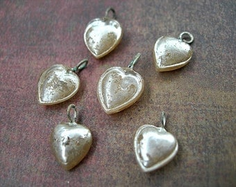 Vintage Tiny Heart Charms Japanese Glass Pearls 8mm x 12mm lot of 6 ivory eggshell