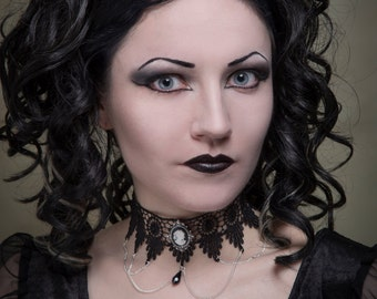 Gothic lace choker cameo necklace, elegant draped chains black and white cameo pendant - SINISTRA
