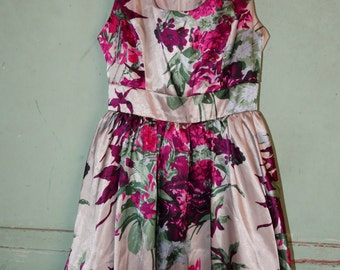 Floral Formal Evening Party Dress, Prom Dress, Spring Time Flowers, XXI Fashions, Juniors Medium, Satin Like Fabric