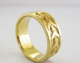 Arrow Wedding Band | Men's 7mm Wedding Ring | Recycled Yellow Gold Ring | Eco friendly Sustainable 14k 18k gold