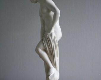 vintage venus plaster statuette figurine