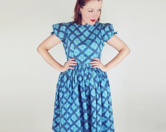 50s Blue Flower Lattice Print Cotton Full Skirt Dress with Puffed Sleeves M