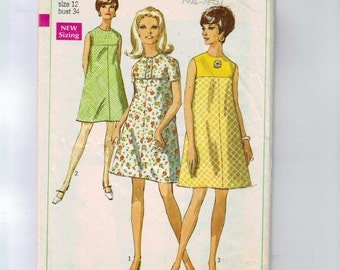 1960s Vintage Dress Pattern Simplicity 7532 Mod A line Ten Dress Mini Size 12 Bust 34 1968 60s