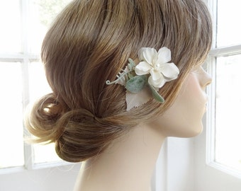 ivory flower hair clip, small bridal hairpiece, ivory bridal hair piece, sage green bridesmaid, hair pin, wedding headpiece, flower girl