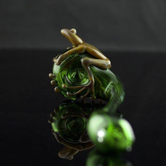 Frog Glass Churchwarden Pipe Hand Blown Thick Wall in Emerald
