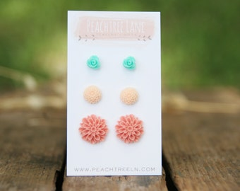 Pink Chrysanthemum Flower Earring << Mint Green Small Rose Earrings >> Peach Mum Post Earring << Bridesmaid Gifts >> Wedding Party Gifts