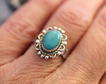 Signed Authentic Bell Trading Post Sterling Natural Oval Turquoise Classic Designed Southwest Ring Size 5 1/2