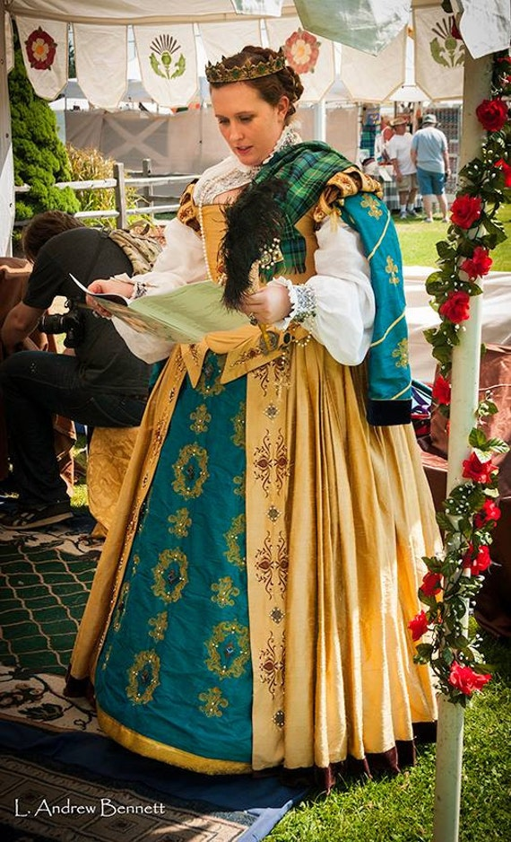 Renaissance dress tudor elizabethan costume bridal gown for Tudor style wedding dress