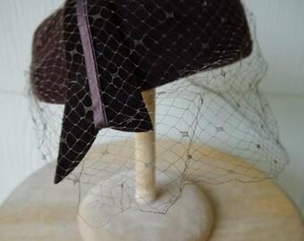 Vintage 1960s Brown Women's Hat w/ Veil