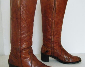 vintage early1970s white dot FRYE boots // ULTRA DISTRESSED // tall stacked heel leather campus riding boots, size 8.5