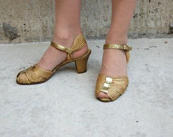 40s 50s Gold Mesh Peeptoe Pumps - gold heels - 40s gold shoes