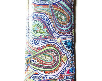Pressed Flowers Custom Phone Case / iPhone 6, 5C, 5S, iPhone 6+, Samsung Galaxy 4S or S5, LG Z3, Sony Xperia Z3 / Boho Paisley Leather