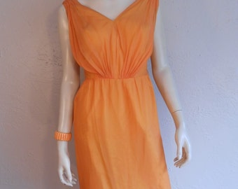 Jooving & Grooving on Catalina Island - Vintage 1950s Mango Orange Chiffon Summer Dress - 2/4