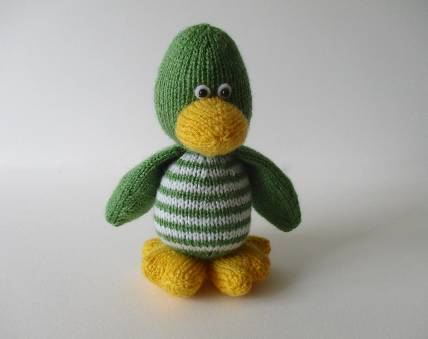 Free Knitting Patterns Toy Duck : Quacky duck toy knitting pattern by fluffandfuzz on Etsy